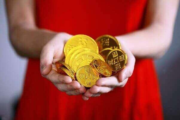 Gold woman nepal